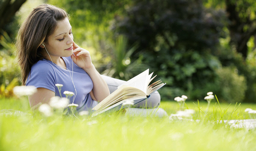 What are the main reasons to get a book review?